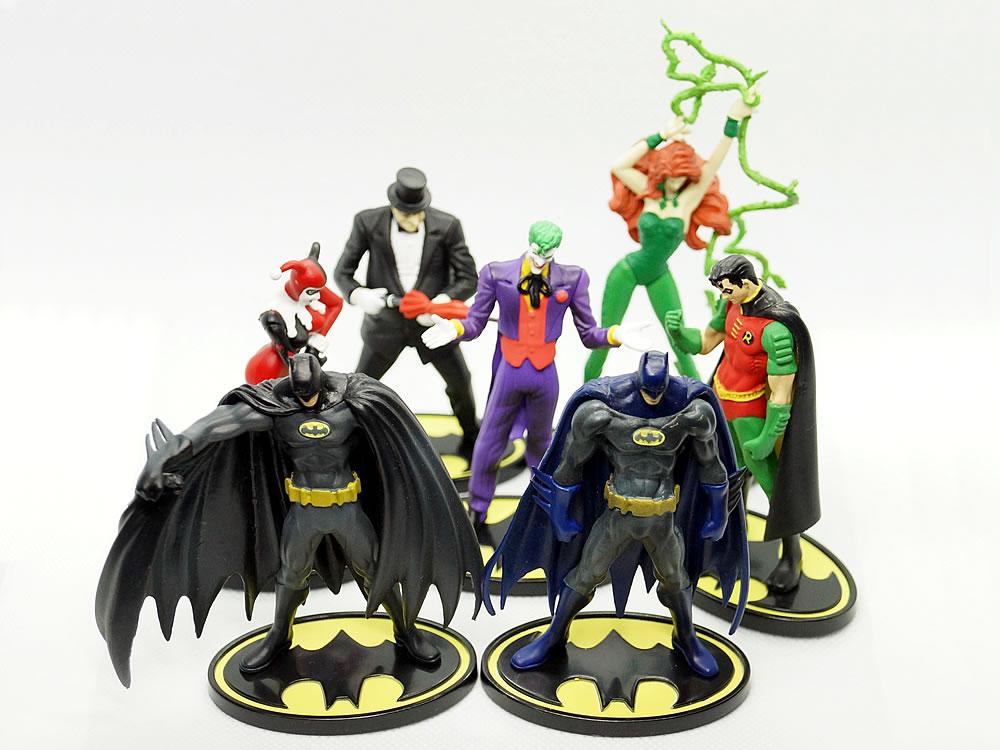 BATMAN MINI FIGURE COMICS SELECTION